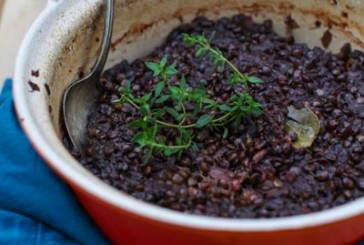 Eat Seasonal: Beet Braised Lentils with Thyme and Apples
