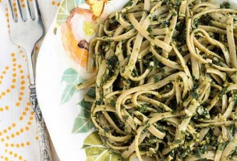 Kale and Pumpkin Seed Pesto Pasta